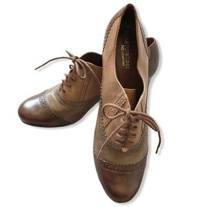 New Naturalizer Jinna Lace Up Heeled Oxford shoes